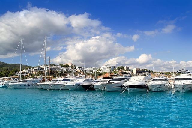 Exklusives Ambiente: der Yacht-Hafen von Puerto Portals.