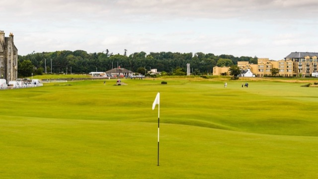 Der älteste Golfplatz der Welt: Royal and Ancient Golfclub St. Andrews in Schottland.