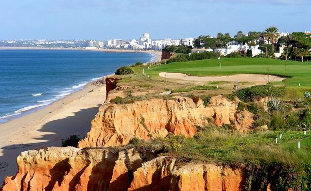Golfplatz an der Algarve in Portugal.